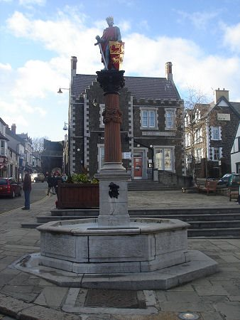 Llywelyn the Great Statue, Conway
